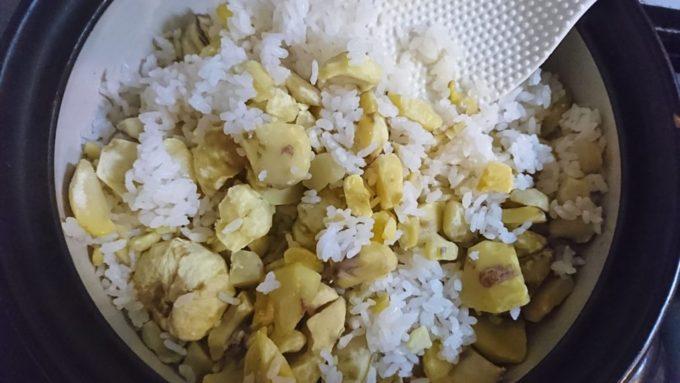 土鍋で炊いた栗ご飯